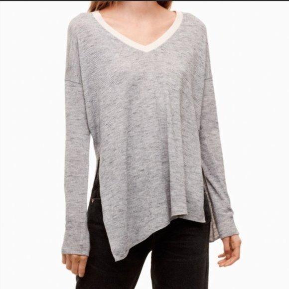 ✨Aritzia Wilfred Sherbrooke V Neck Sweater size M